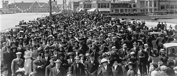 Old-Time Crowd